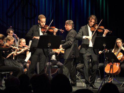 Christoph Eberle mit der Quarta 1/4, dem Kammermusikensemble der Quarta 4 Länder Jugendphilharmonie. ju