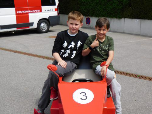 Danny und Lorenz freuen sich jetzt schon auf das Kultrennen am 19. Juni in der Dornbirner Rosenstraße. mima