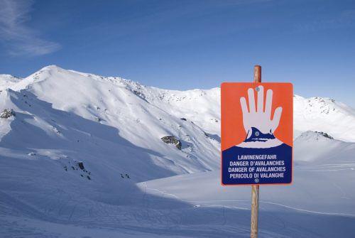Das freie Gelände lockt viele Skifahrer. Der Alpenverein Feldkirch informiert heute in einem Vortrag darüber, wie man den Lawinenwarnbericht richtig interpretiert. ALpenverein