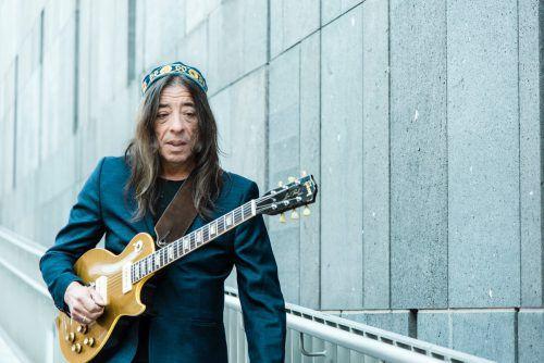 Der Gitarrenvirtuose Harri Stojka feiert heuer sein 50-jähriges Bühnenjubiläum. harri stojka