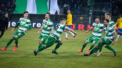 Der Jubel nach dem Sieg über WSG Tirol im ÖFB-Cup-Viertelfinale kannte nach Spielende keine Grenzen. Nun wartet auf Thomas Mayer und Co. Wacker Innsbruck im Halbfinale.Gepa