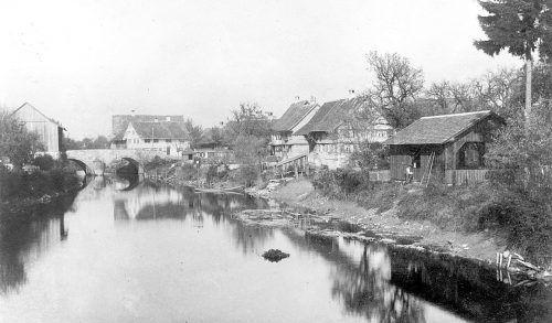Die einstige Fußach im Ortszentrum um 1900. dorfgeschichteverein, ajk/2