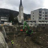 Baugrube in Weilers Dorfmitte
