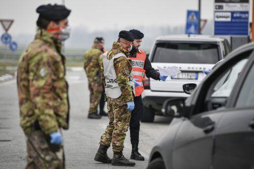 Die italienischen Behörden verhängten für elf GemeindenEin- und Ausreisesperren. Für sie gilt auch eine partielle Reisewarnung.AP