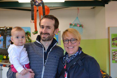 Die kleine Alexandra kam mit Papa Bernhard und Mama Karin.