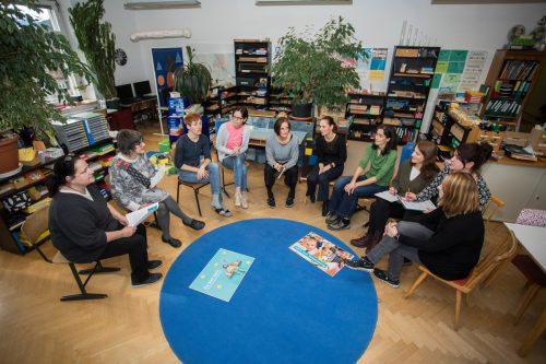 Die Lustenauer Lehrerinnen überzeugen mit ihrer Pädagogik die Bildungsdirektion. Im Notenstreit bleiben sie bisher hart. VN