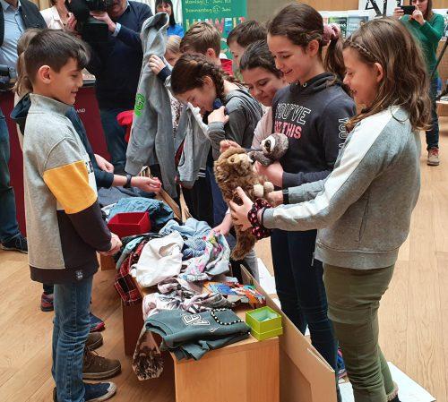 Die Schüler der VS Dornbirn-Mittelfeld beweisen mit ihrer Tauschbörse, dass Umweltschutz früh anfängt. Umweltverband