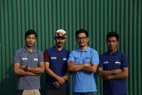 Diese vier Bergführer wollen in fünf Tagen auf den Mount Everest. AP
