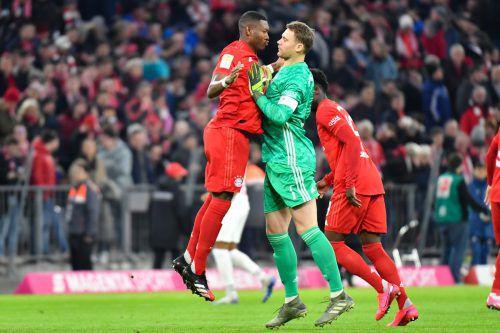 Eine ungewöhnliche Szene mit David Alaba und Manuel Neuer.gepa