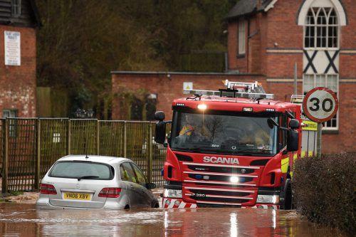 England sah sich gestern mit 600 Hochwasserwarnungen konfrontiert.afp
