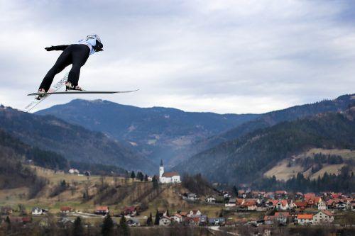 Eva Pinkelnig landete im slowenischen Ljubno zweimal auf dem Podest. Im Teambwerb stand sie ganz oben, im Einzelbewerb ging es auf Platz zwei.apa