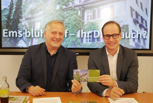 Experte Conrad Amber (links) und Bürgermeister Dieter Egger.Stadt