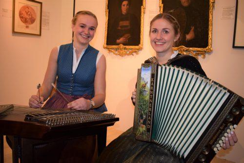 Christine Kleber und Katharina Behmann umrahmten den Festakt musikalisch.