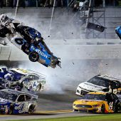 Horror-Crash bei Daytona 500