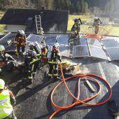 Feuer am Dach