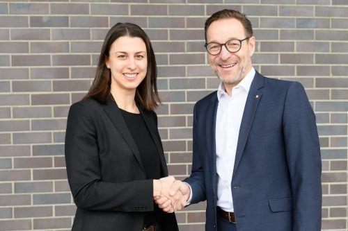 Gerhard Böhler (Generali Versicherung) mit JWV-GF Julia Grahammer. Matthias Rhomberg Fotografie