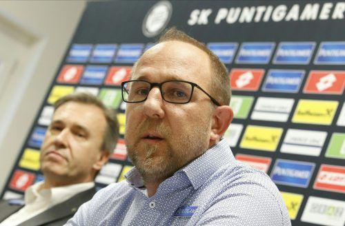 Günter Kreissl, Geschäftsführer Sport bei Sturm, und Präsident Christian Jauk (h.).apa