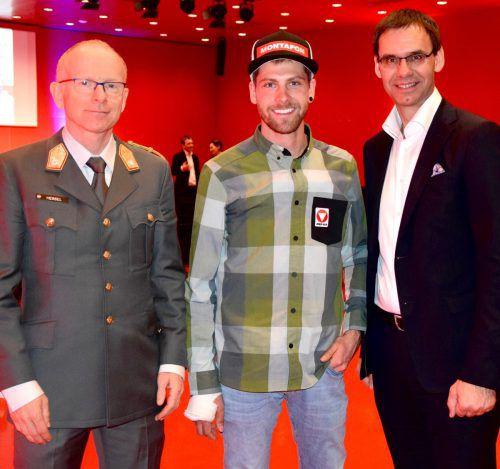 Gunther Hessel, Skibergsteiger Daniel Zugg und LH Markus Wallner.SCO