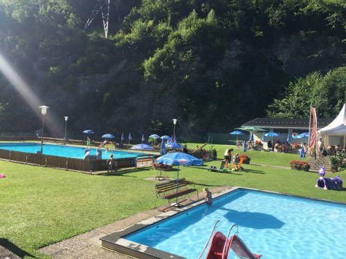 Im Schwimmbad Dalaas stehen neuerlich kleinere Sanierungsmaßnahmen an. In diesem Frühjahr will man sich dem Außenbereich widmen. Camping