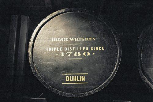 In der neuen Dublin Liberties Distillery erfährt man alles über die Whiskeyproduktion.