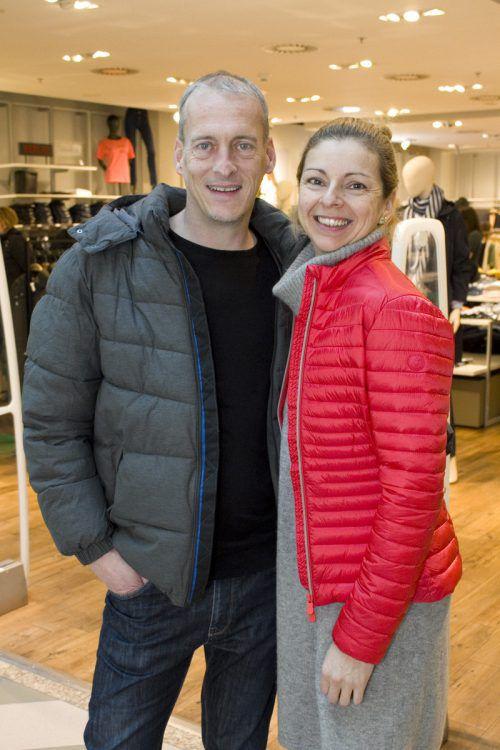 Karin Fend und Marco Pamminger sind bereits bestens eingekleidet.