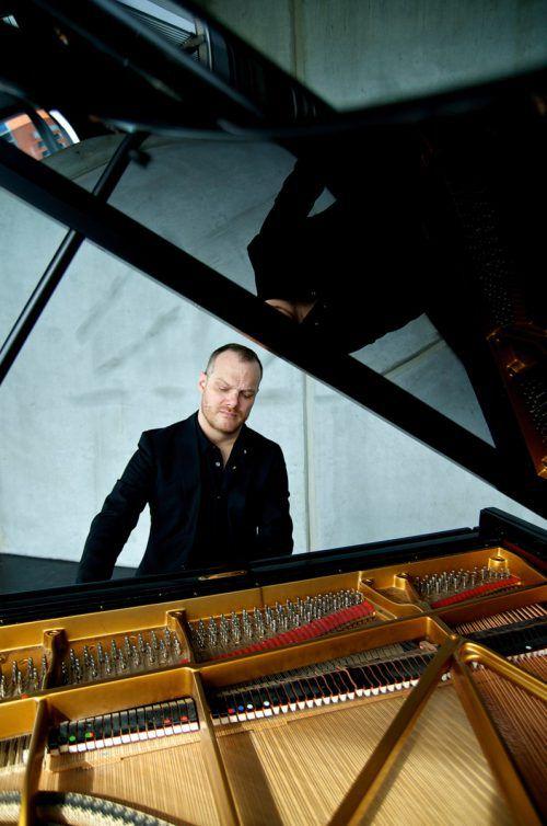 """Lars Vogt, Peter Simonischek und das Sinofnieorchester Basel präsentieren Beethovens """"Klavierkonzert Nr. 5"""" und """"Die Geschöpfe des Prometheus"""".Neda Navaee (vogt)/Xenia Hauser (Simonischek)"""