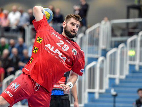 Alpla-HC-Hard-Kreisläufer Lukas Schweighofer wurde nachnominiert und könnte in seiner Geburtsstadt Graz gegen Estland sein Teamdebüt geben.GEPA