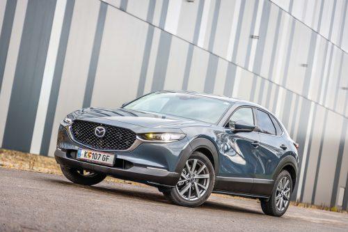 Mazda hat den CX-30 aufgerüstet. In der gehobenen Ausstattungsversion ist alles mit an Bord, das das Fahren angenehm macht.Oliver Wolf