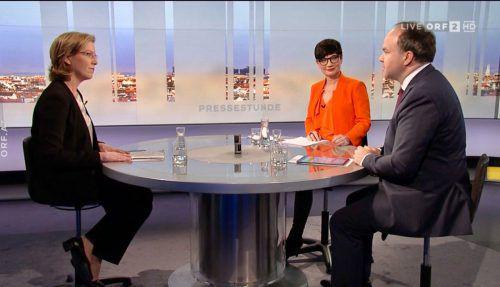 """Ministerin Leonore Gewessler beantwortete am Sonntag in der ORF-""""Pressestunde"""" die Fragen von Ulla Kramar-Schmid (ORF) und VN-Chefredakteur Gerold Riedmann."""