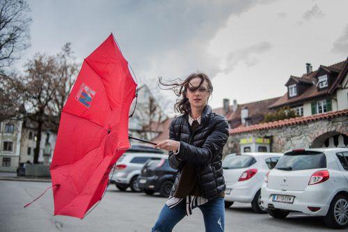 Nach dem heftigen Sturm beruhigt sich die Wetterlage etwas, aber dennoch werden für das Wochenende lebhafte Winde erwartet. vn/steurer