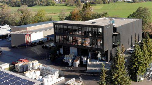 Nach einem Jahr Bauzeit hat Aerocompact seine neue Firmenzentrale in Satteins bezogen. Ein wichtiger Wachstumsschritt für das Unternehmen. Aerocompact