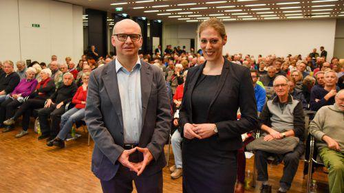 OÄ Bettina Grager und Primar Jan Di Pauli vermochten die MedKonkret-Besucher im Panoramasaal des LKH Feldkirch mit ihren Ausführungen zu überzeugen. vn/lerch