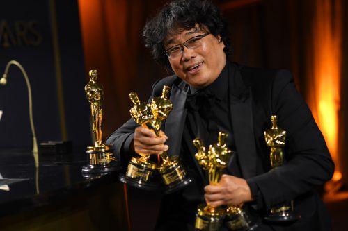 Regisseur Bong Joon Ho katapultierte sich mit einem Schlag in die Kino-Elite, nahm er doch gleich vier Oscars mit nach Hause. AFP