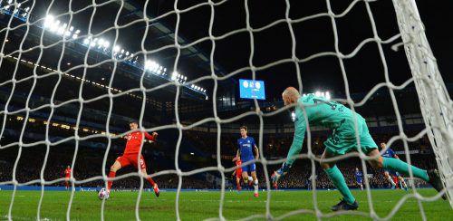 Robert Lewandowski sorgte für den 3:0-Endstand. Der Pole erzielte im 33. Pflichtspiel bereits seinen 39. Saisontreffer.AFP
