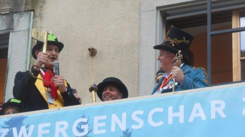 Schlüsselübergabe an die Narren: Bürgermeister Markus Linhart entmachtet.fst