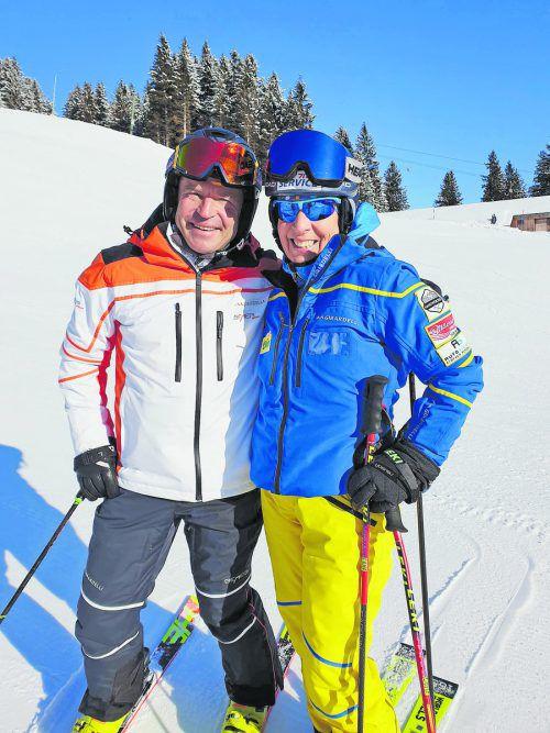 Skilegenden unter sich: Vreni Schneider und Marc Girardelli unerhielten sich auf der Skipiste in Elm über alte Zeiten.pr