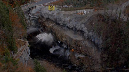 Sprengung im Rappenloch als Vorbereitung für den Neubau der Brücke. STD