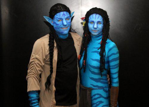 Tolle Kostüme, wie hier inspiriert von Avatar, gab es zu sehen.