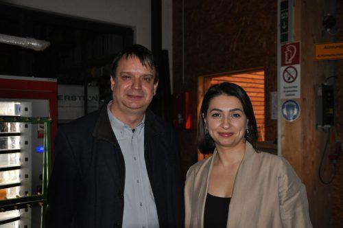 WIWA-Vorstandsvorsitzender Philipp Tomaselli und Regionalreferentin Havva Dogan.