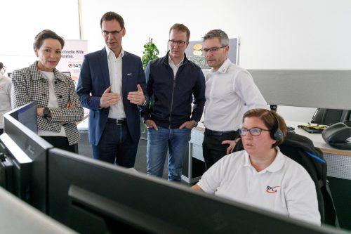Am Samstagvormittag machten sich die politisch Verantwortlichen der Landesregierung ein Bild in der RFL. VLK/Hofmeister