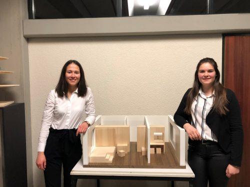 An zwei Präsentationsabenden stellten die Schüler der dritten Klassen ihre Projekte vor u.a. auch Chiara und Barbara.