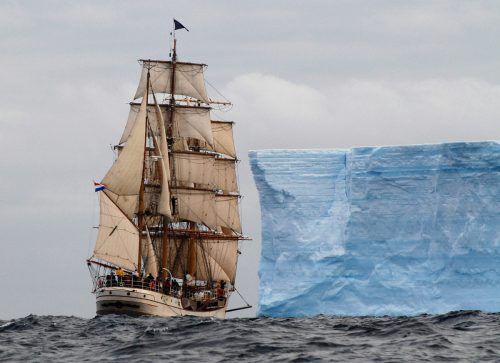 Andreas Kreutz berichtet im Rahmen eines Vortrags von einer spannenden Expedition im Südpolarmeer.                              ANDREAS KREUTZ