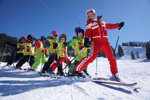 Angehende Skilehrer müssen auf Ausbildungskurse warten.