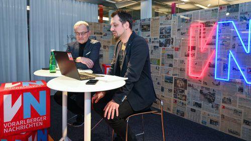 Armin Fidler (links) war bei den VN zu Gast und beantwortete über eine Stunde lang die Fragen der VN-Leser. VN/Lerch