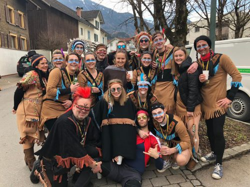 Badaila Indianer feierten die 5. Jahreszeit. Badaila Kicker Nenzing