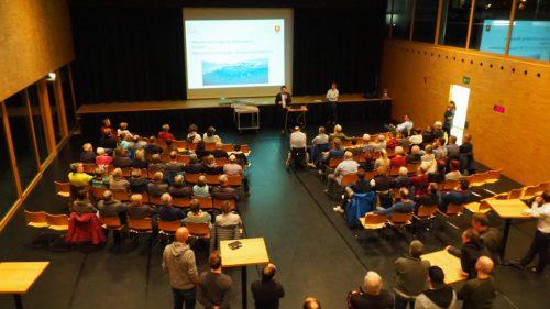 Bei einem Dorfabend wurde das Projekt Leitungszusammenschluss der Bevölkerung vorgestellt.Christof Egle