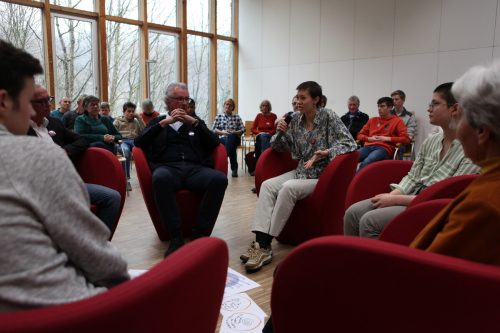 Beim Generationtalk Klimakrise! kamen 15-20-Jährige und über 55-Jährige zum Austausch und Dialog zusammen.