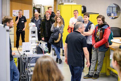 Beim Tag der offenen Tür der FH Vorarlberg in Dornbirn wurden verschiedene Workshops oder Schnuppervorlesungen angeboten.FHV/Rhomberg