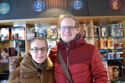 Celine Hummer aus Schlins und Daniel Köb aus Bludenz sind vom NöRD Shop begeistert.