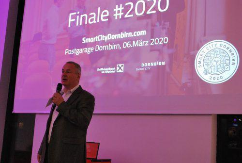 Christian Anselmi, Vorstand von ThingsLogic, sprach zu den Gewinnern.